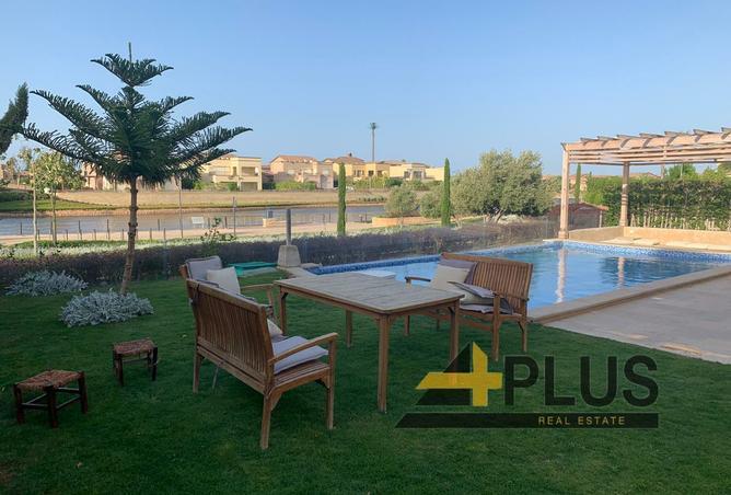 Furnished villa with pool 460m.- lake view-Marassi