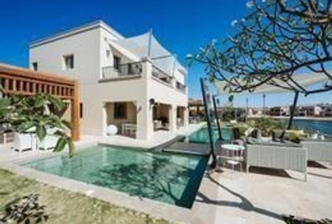 Standalone villa Prime Location at Celia Marassi