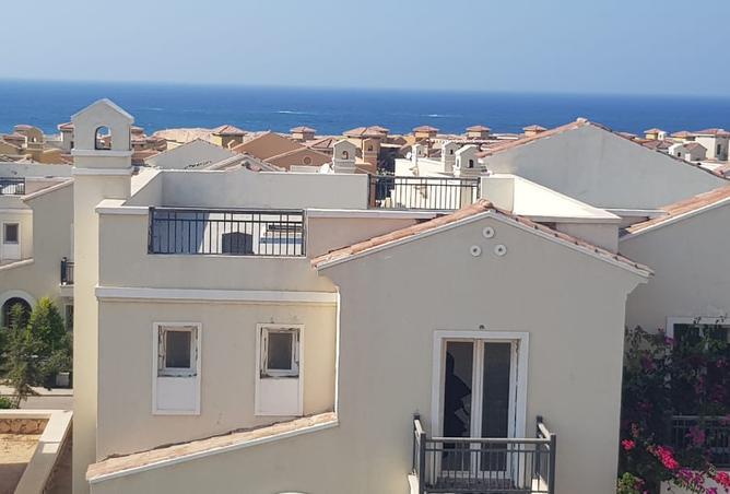 Mountain View North Coast villa 168m delivered