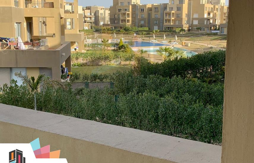 Prime Location Duplex with Garden in Palm Parks .
