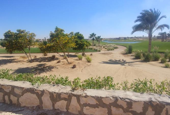 twin house 5bedroom very prime location 2st golf