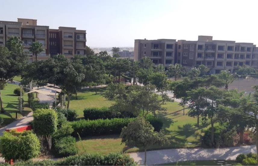 Newgiza carnel park prime location, amazing view 2 bedrooms en-suite apartment