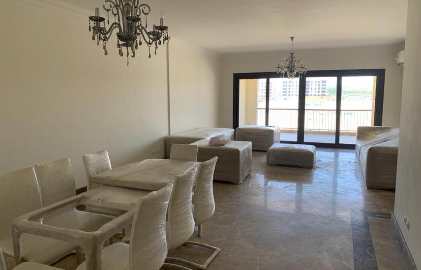 4 bedrooms apartment on the lagoon, Semi furnished