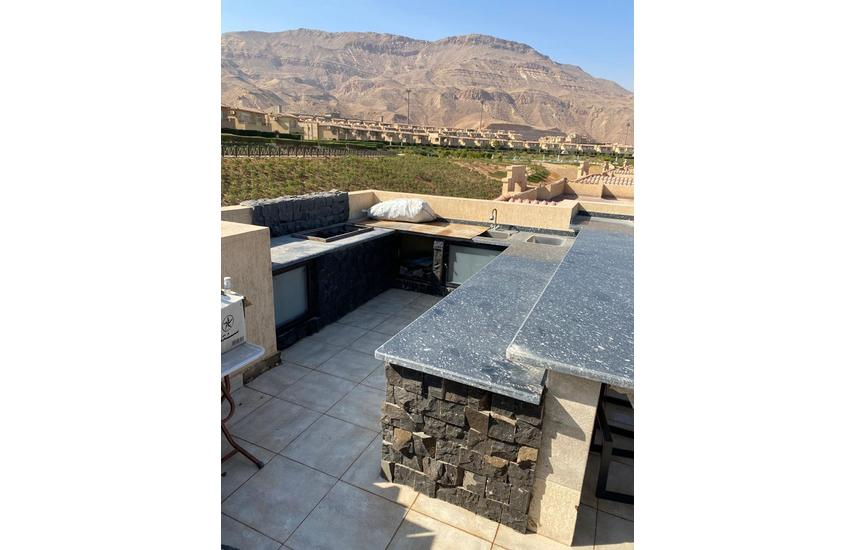 Upper chalet with roof for sale in Telal el sokhna