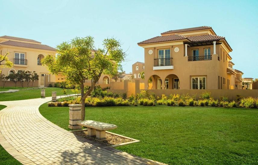Villa for sale in Hyde Park - New Cairo
