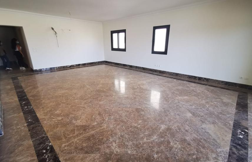 Apartment 245m for rent in Mivida