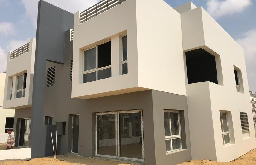 Twin modern at Hydepark 255 M with installments .