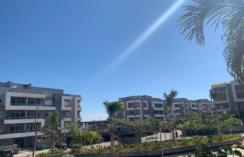 Apartment with garden for sale 198m Zayed regency
