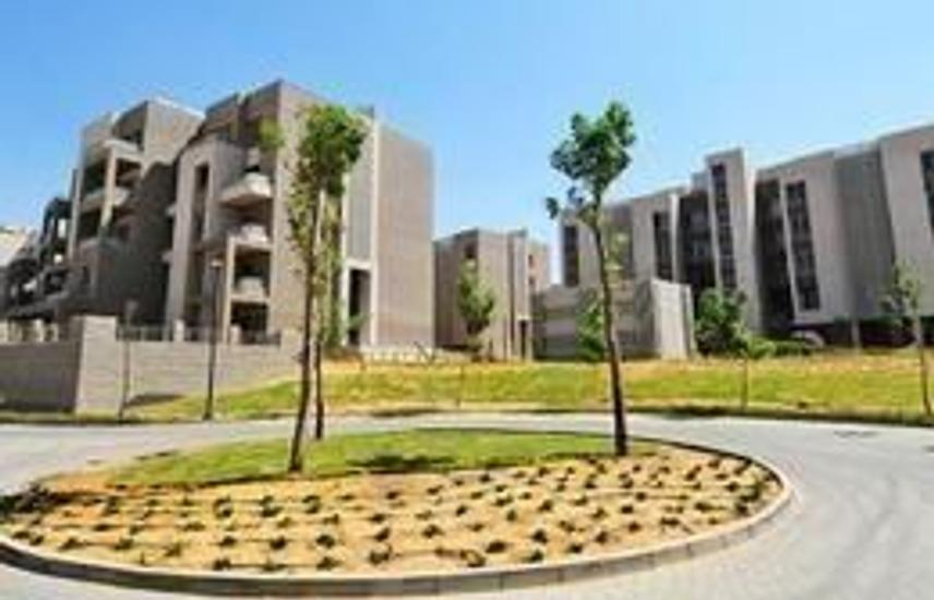 Prime Location Apartment with Garden at VGK.......