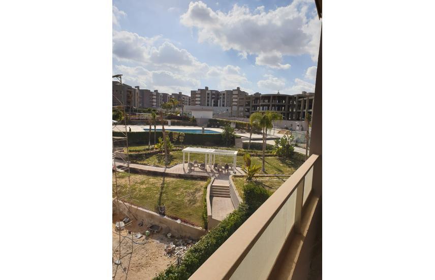 شقة للبيع بكمبوند زايد ريجنسي مدينه الشيخ زايد .