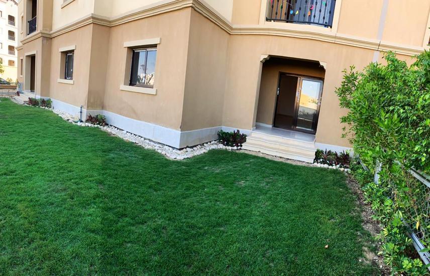 بمفيدا شقة 200 متر ارضي نصف مفروش للايجار .