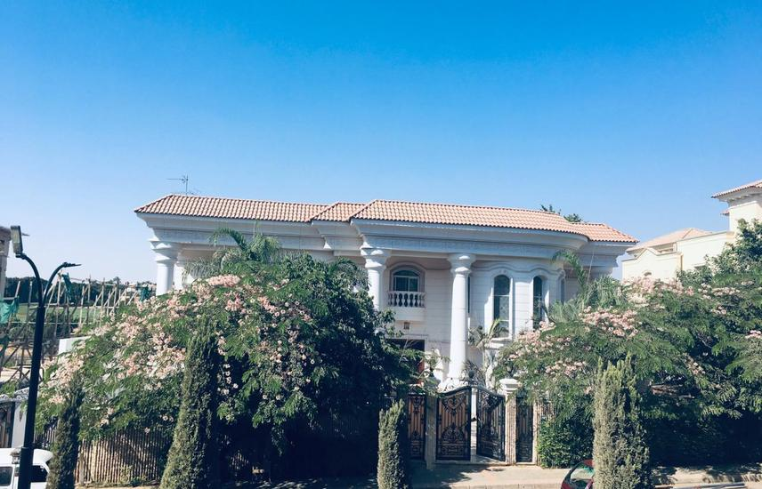 katameya Heights luxury villa golf view 2500 sq/m.