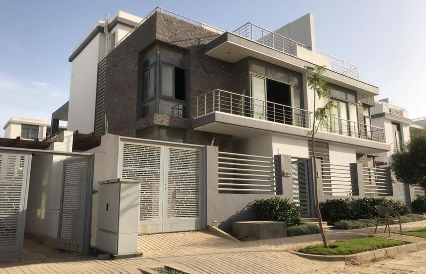hurry up townhouse for sale at taj city 0%DP Only