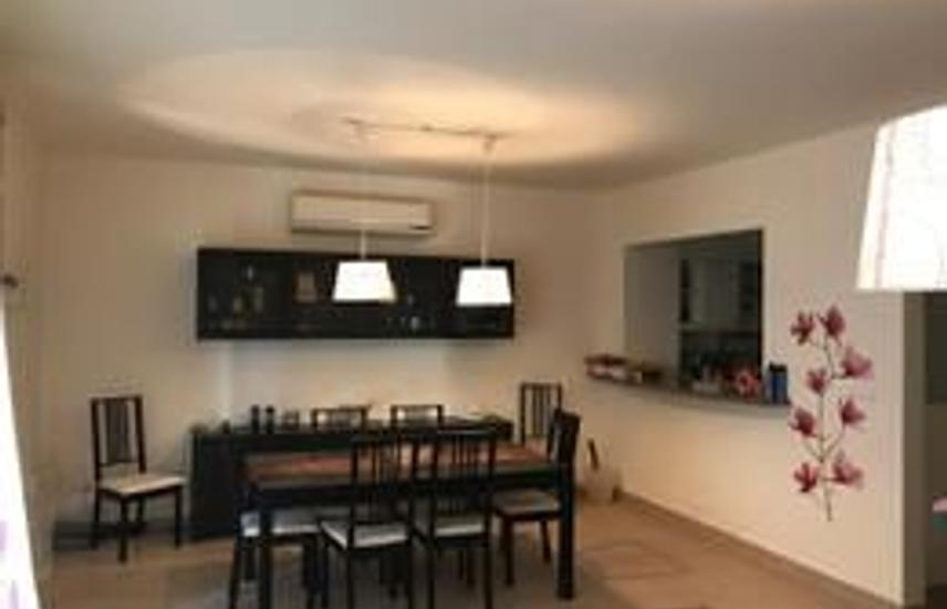 Ground Chalet 120 m For Sale in Catania Marassi