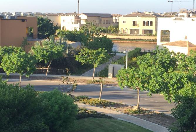 fully finished townhouse for sale in marassi