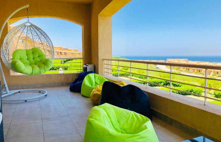 Chalet 140 m for sale in Telal Sokhna (4 bedrooms)