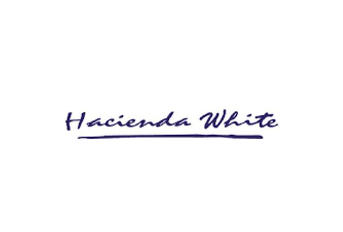 Senior Chalet for sale in Hacienda white .