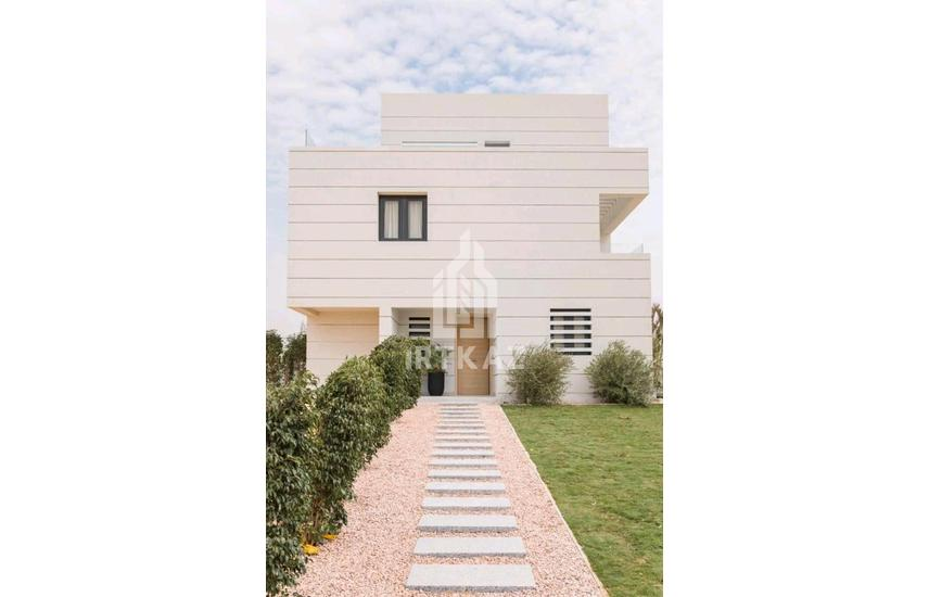 Own fully finished Villa with facilities in Al Shorouk Compounds