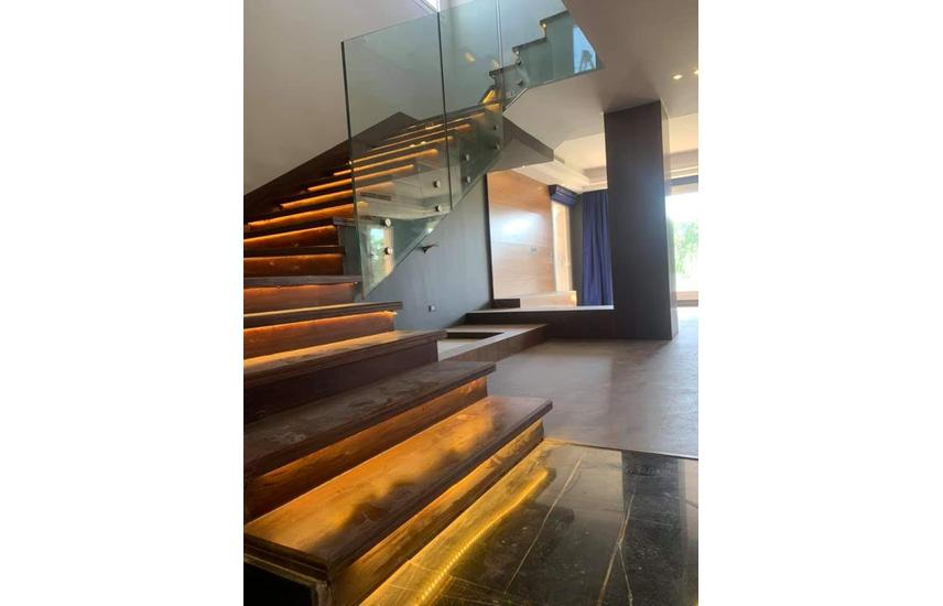Villa Stand-alone For Rent in Mivida with pool