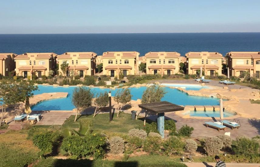 Chalet for sale overlooking pool in Telal sokhna