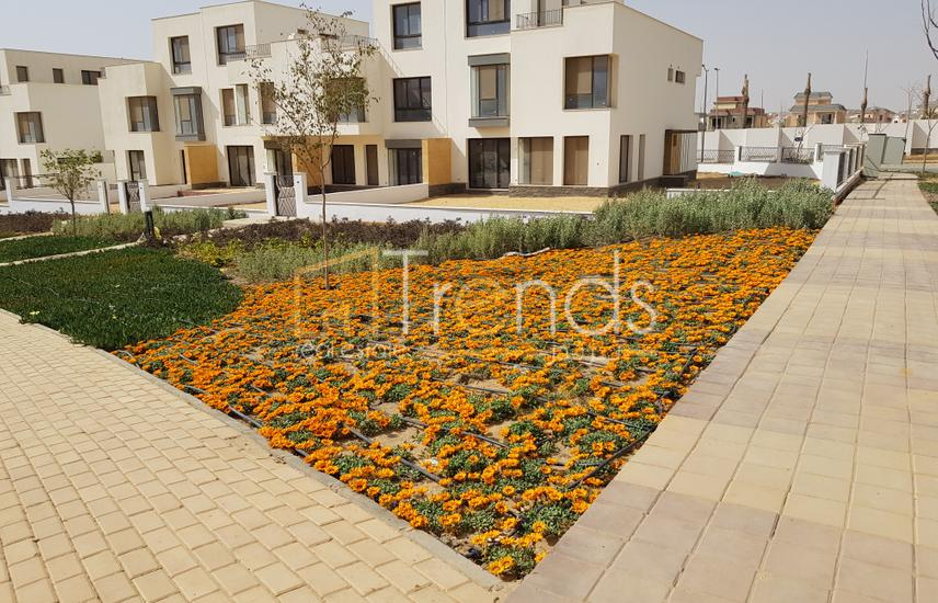 257m Middle Townhouse in Villette with Best Price
