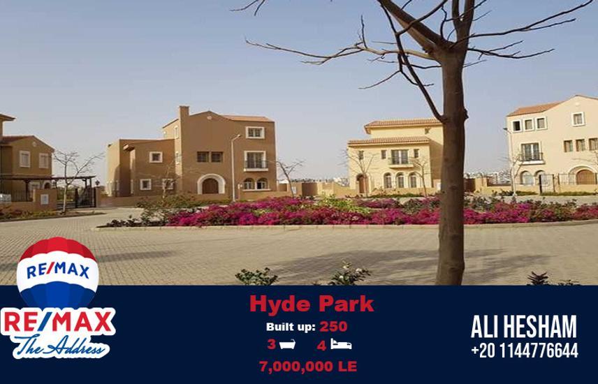 Stand Alone Villa Prime Location at Hyde Park
