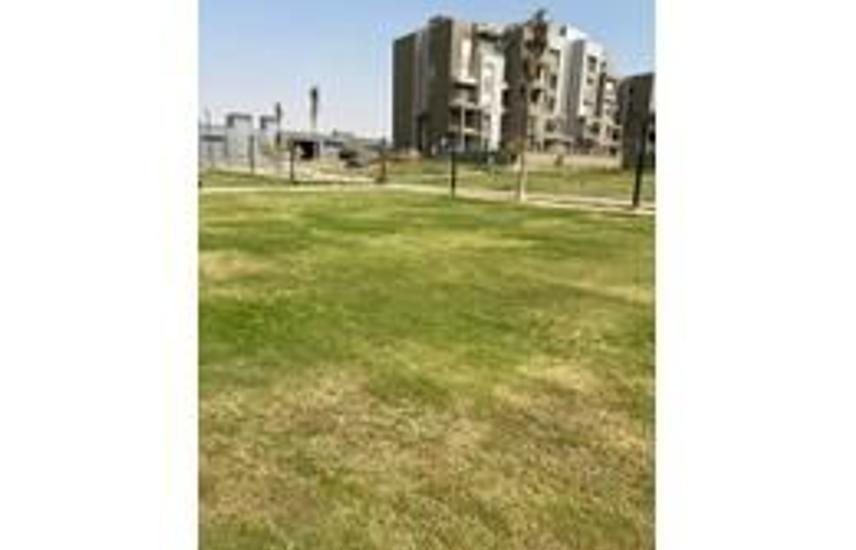 under market price duplex 255m with garden in vgk.