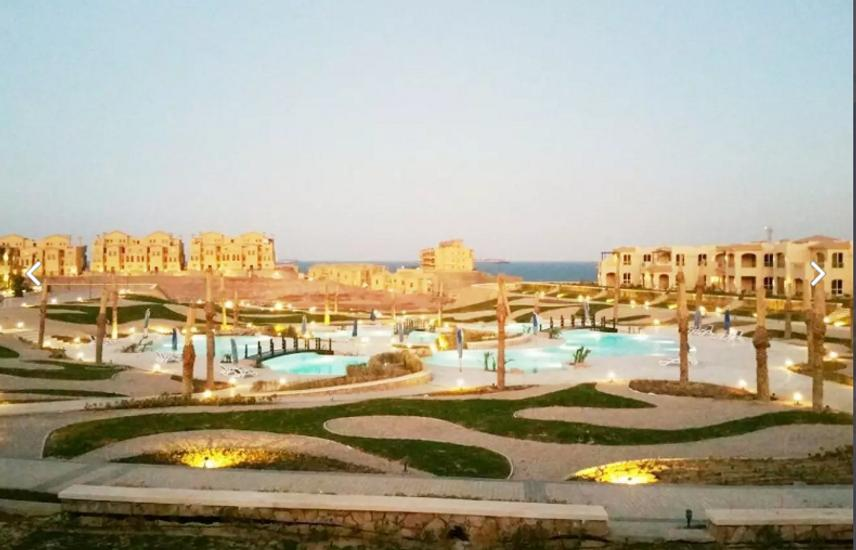 Chalet for sale 100m - in Telal Sokhna - first row on the sea