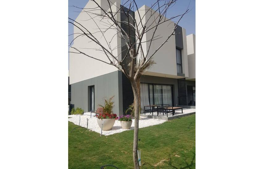Delivered Townhouse 245 m for sale in Al Burouj
