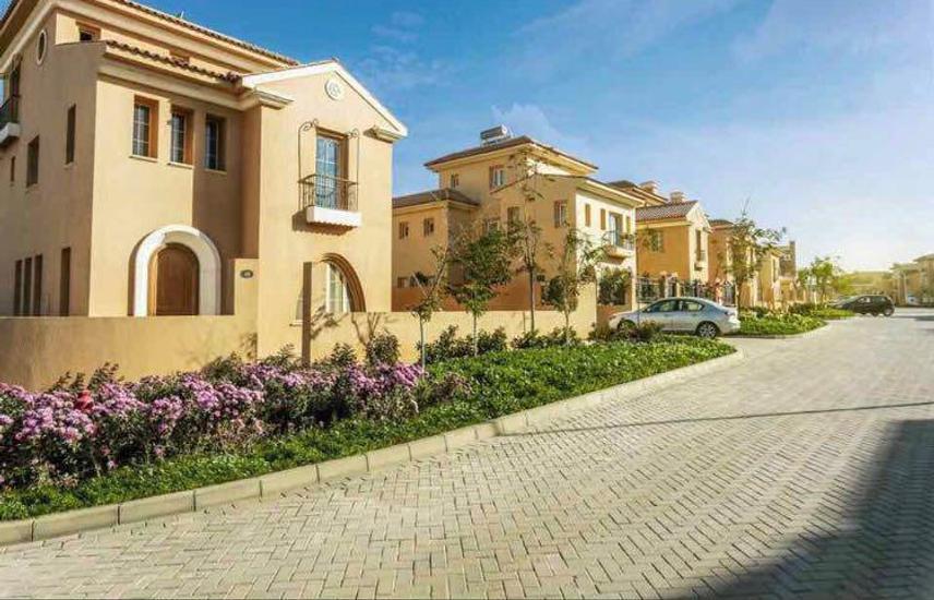 Villa for sale-Delivered-Fully finished- Hyde Park