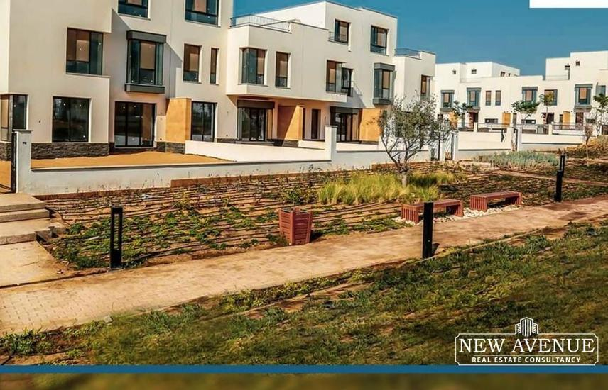TownHouse Middle with hot price villette