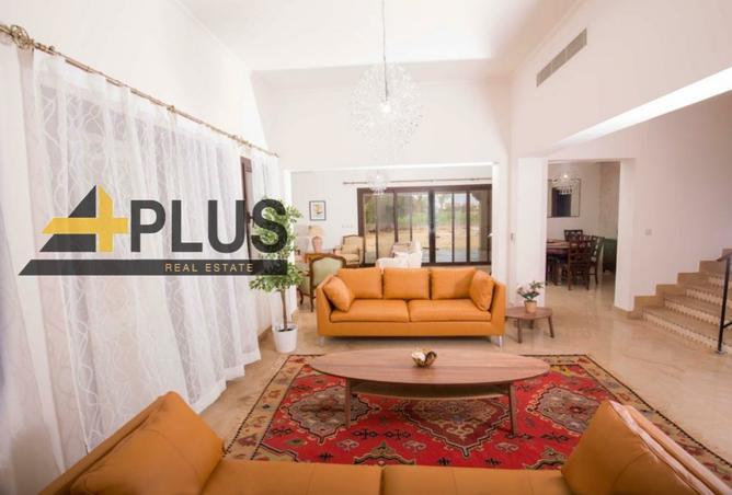 furnished villa500m.direct on golf and lake-Marasi